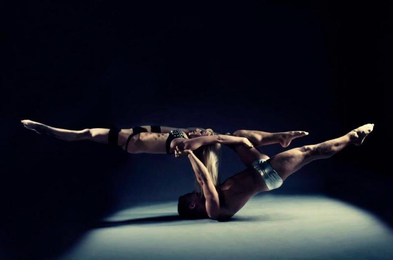 Акробатичний дует