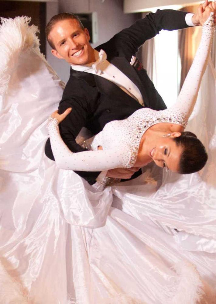 Перший весільний танок у подарунок!